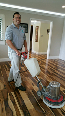 Hardwood cleaning flooring in santa clarita if you are looking for your hardwood floors cleaned right you should have them cleaned professionally instead of attempting to do it yourself solutioingenieria Images